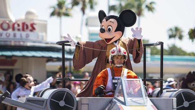 Star Wars Weekend Celebrity Motorcade