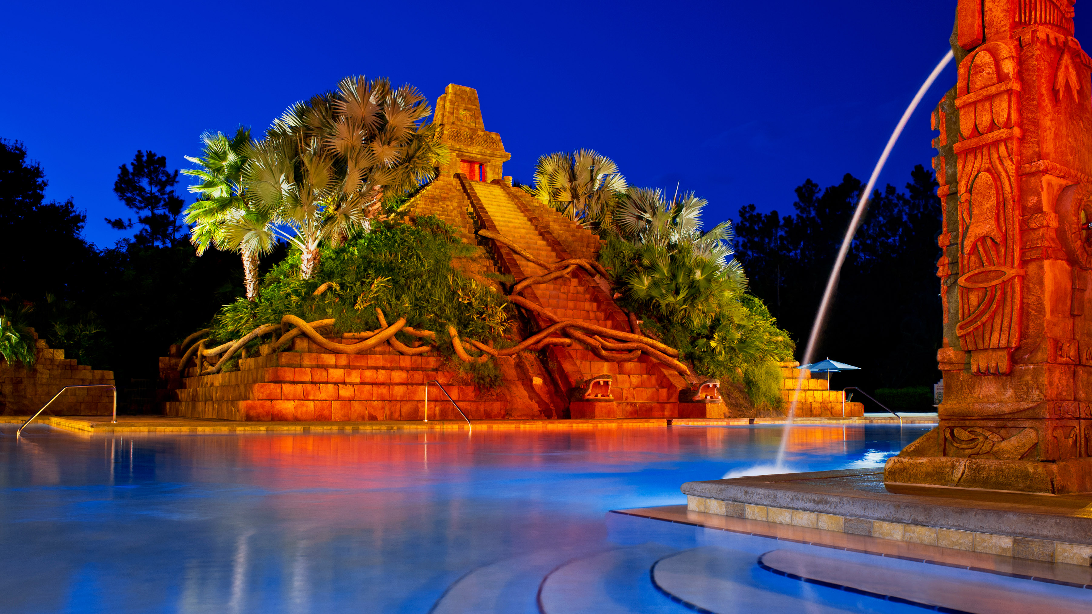 Coronado_Springs_pool_night